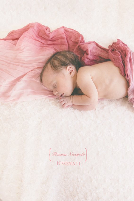 foto bimbi appena nati | Tiziana Niespolo Fotografo bambini napoli