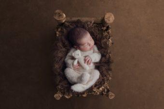 Tiziana Niespolo La prima fotografa specializzata Newborn presente in Campania dal 2009
