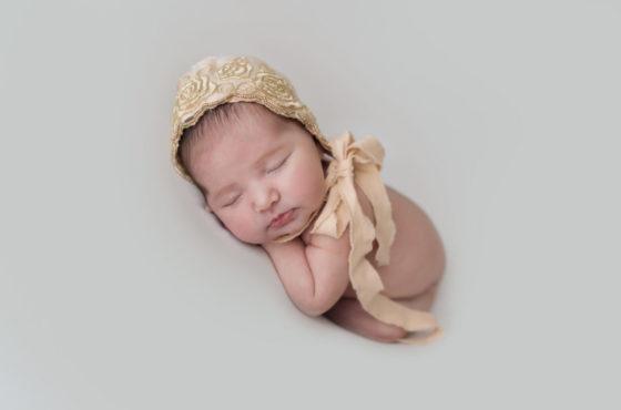Regalare il servizio fotografico newborn